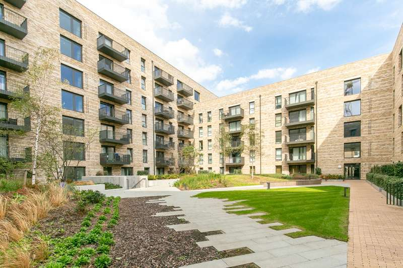 1 Bedroom Flat for sale in Kingfisher Heights Waterside Park, E16