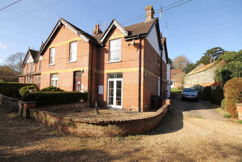 4 Bedrooms Semi Detached House for sale in Totland Bay, Isle of Wight