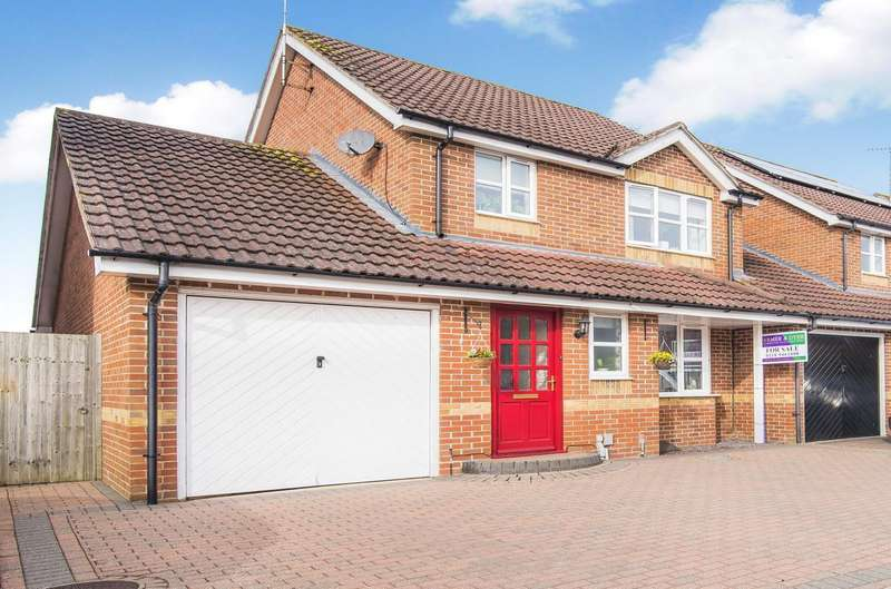 3 Bedrooms Detached House for sale in Elliotts Way, Caversham, Reading