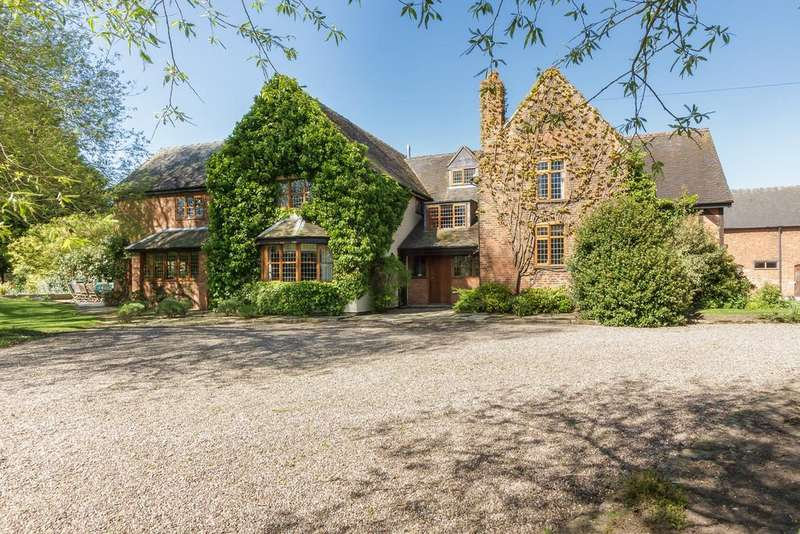 6 Bedrooms Manor House Character Property for sale in Pewit Lane, Hunsterson