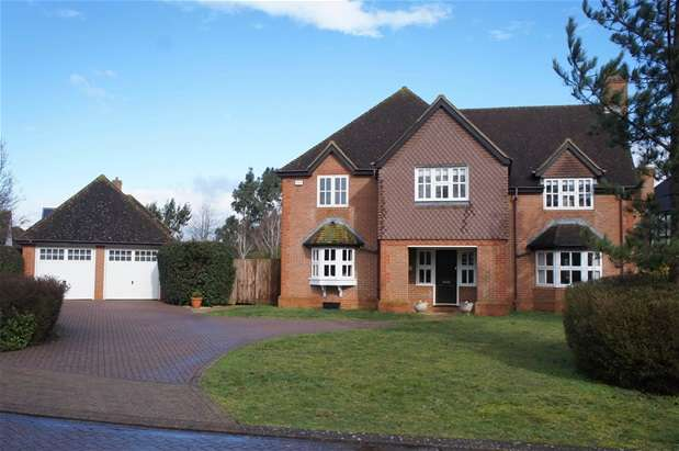 5 Bedrooms Detached House for sale in St. Mellion Drive, Great Denham