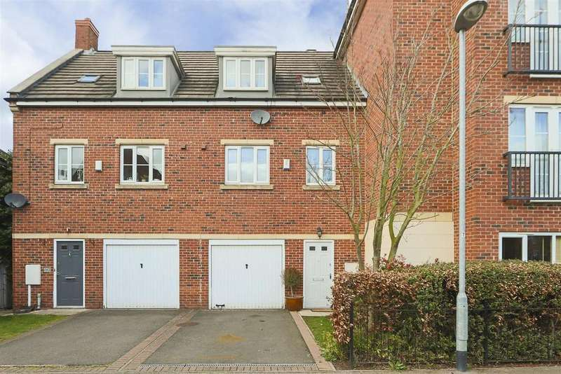 3 Bedrooms Town House for rent in Edison Way, Arnold, Nottinghamshire, NG5 7NJ