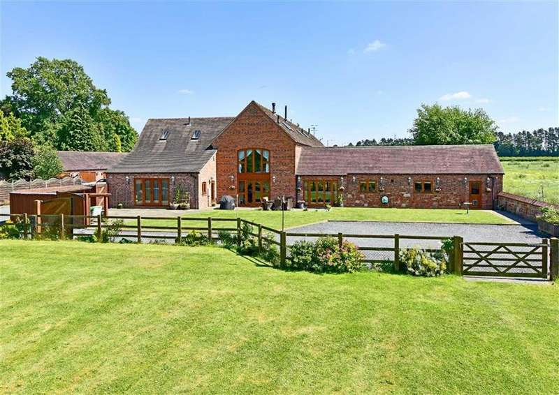 5 Bedrooms Barn Conversion Character Property for sale in Romany Barn, 5, Whitehall Farm Barns, Wolverhampton Road, Himley, South Staffordshire, DY3