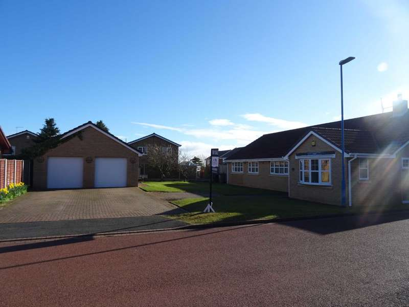 4 Bedrooms Bungalow for sale in Applewood Close, Hartlepool
