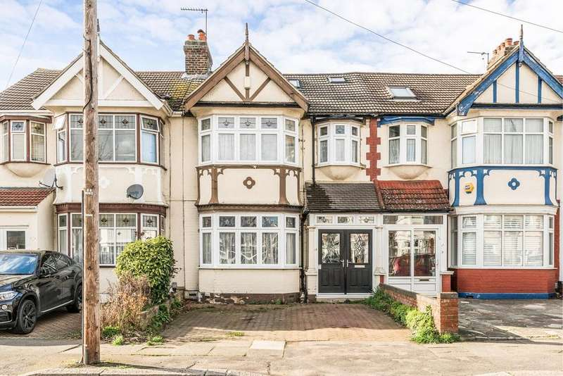 4 Bedrooms Terraced House for sale in Sunnymede Drive, Gants Hill, IG6
