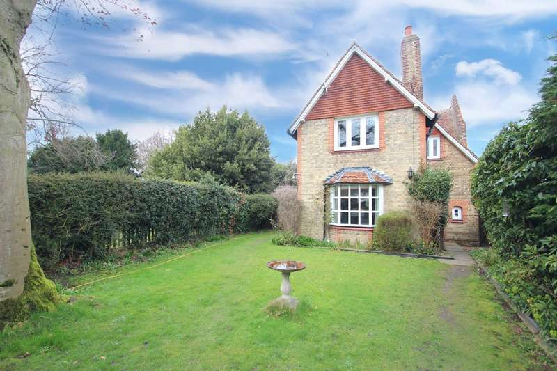 3 Bedrooms Detached House for sale in High Street, Thorpe-le-Soken