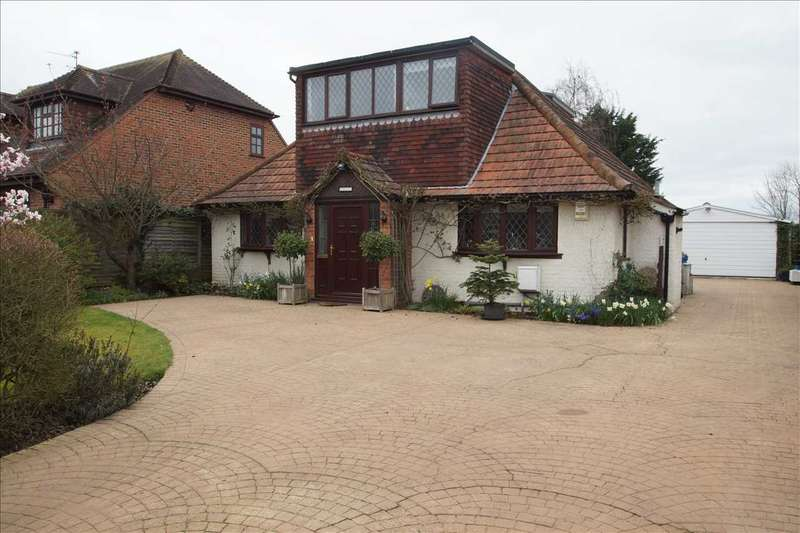 3 Bedrooms Detached House for sale in 'Eversley', Cannon Lane, Woodlands Park, Maidenhead