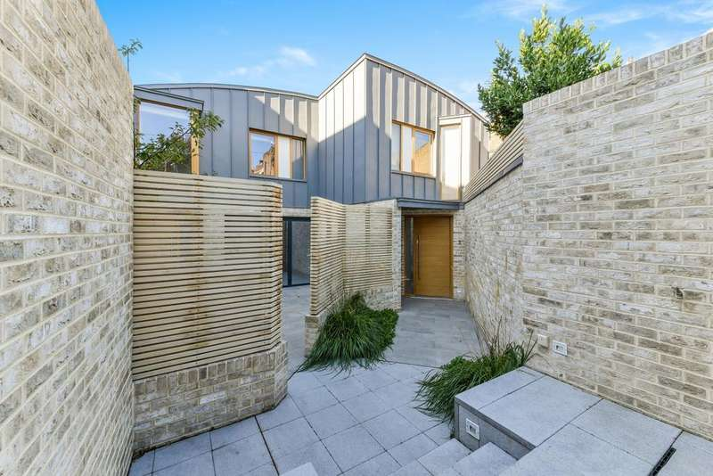 3 Bedrooms Semi Detached House for sale in Townley Street, Elephant and Castle SE17
