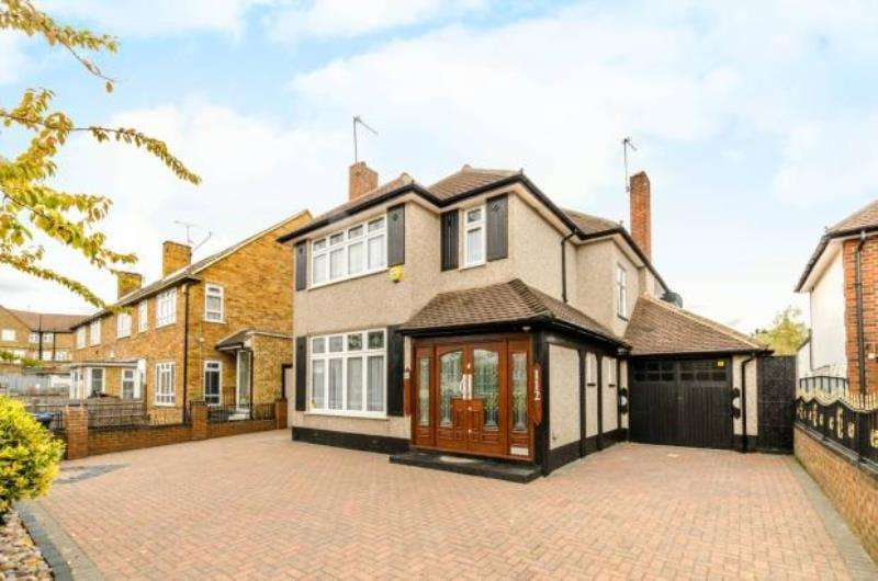 4 Bedrooms Detached House for sale in Sudbury Court Drive, Harrow, Middlesex