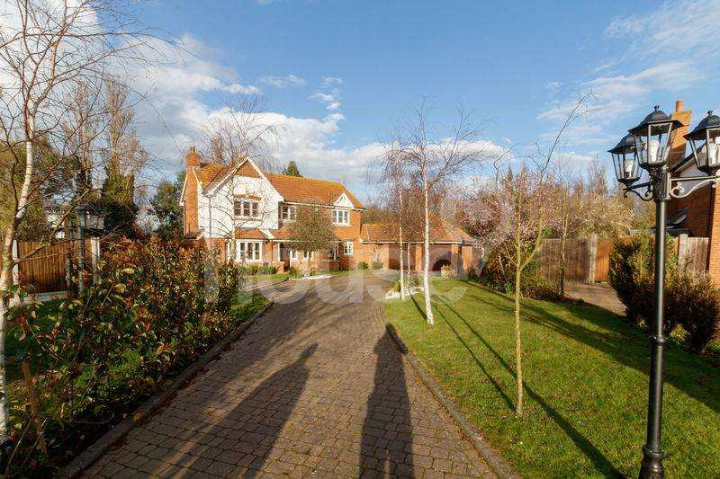 4 Bedrooms Detached House for sale in Court Tree Drive, Eastchurch