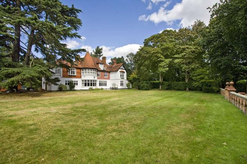 4 Bedrooms Apartment Flat for sale in Lyne, Surrey