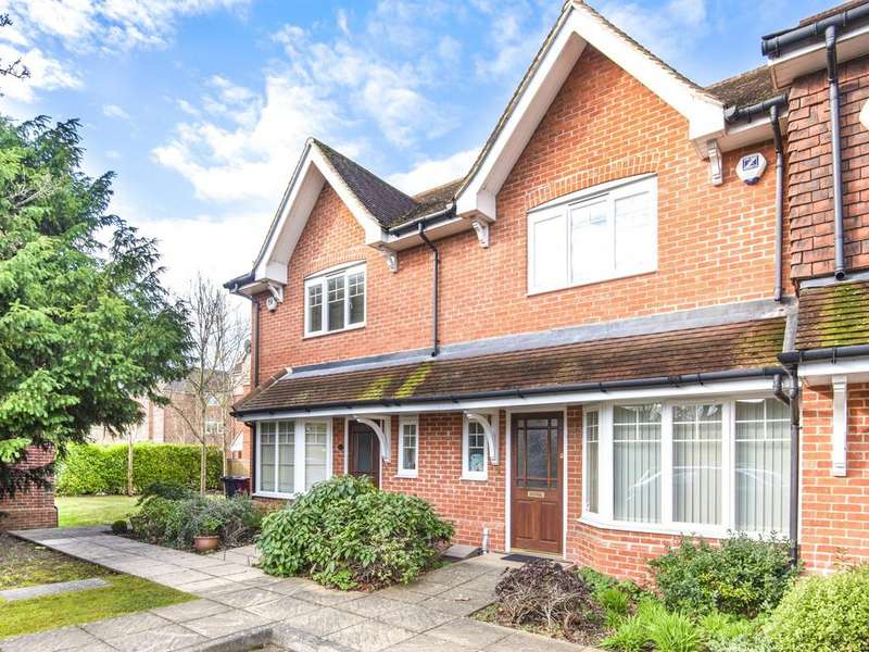 3 Bedrooms Terraced House for sale in Ashdene Gardens, Reading, RG30