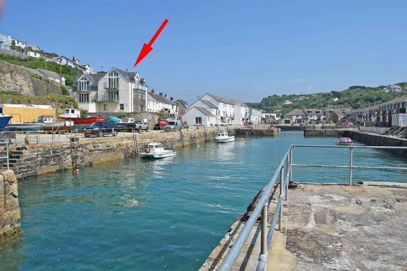 6 Bedrooms Detached House for sale in Portreath, North Cornish Coast