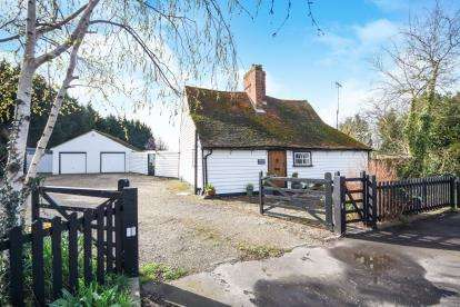 2 Bedrooms Detached House for sale in Canewdon, Rochford, Essex
