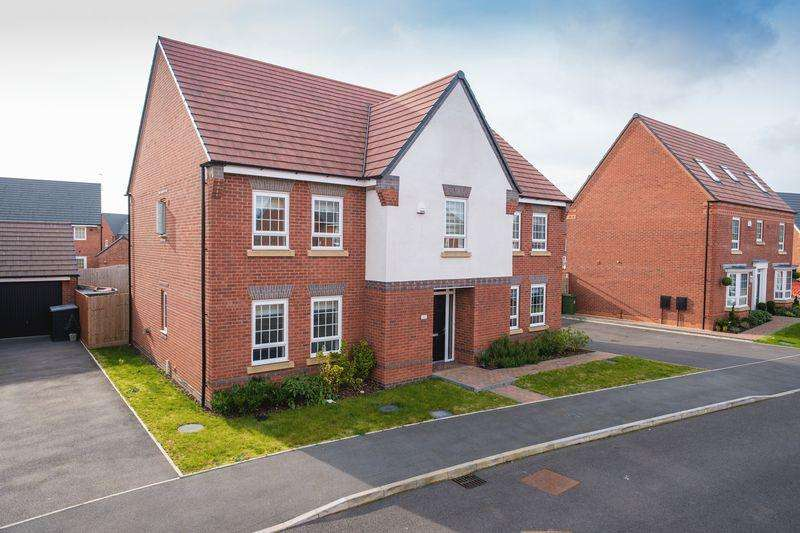 5 Bedrooms Detached House for sale in Lydiate Hill Road, Sedgley, Dudley