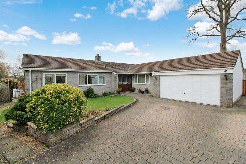 4 Bedrooms Detached Bungalow for sale in Cae Capel, Great Oak, Raglan, Monmouthshire