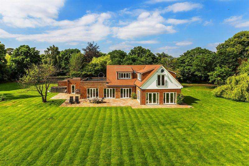 6 Bedrooms Detached House for sale in West Clandon, Guildford