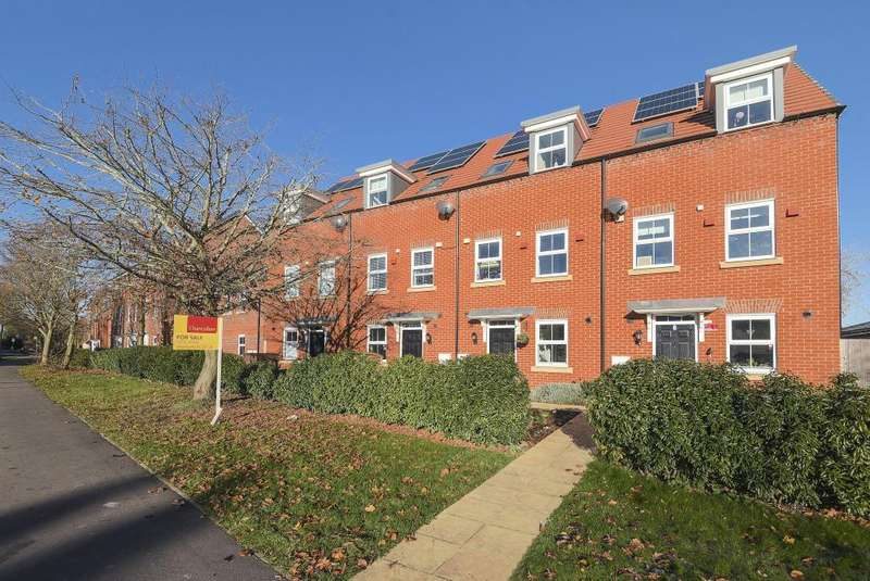 3 Bedrooms House for sale in Speen, Newbury, RG14