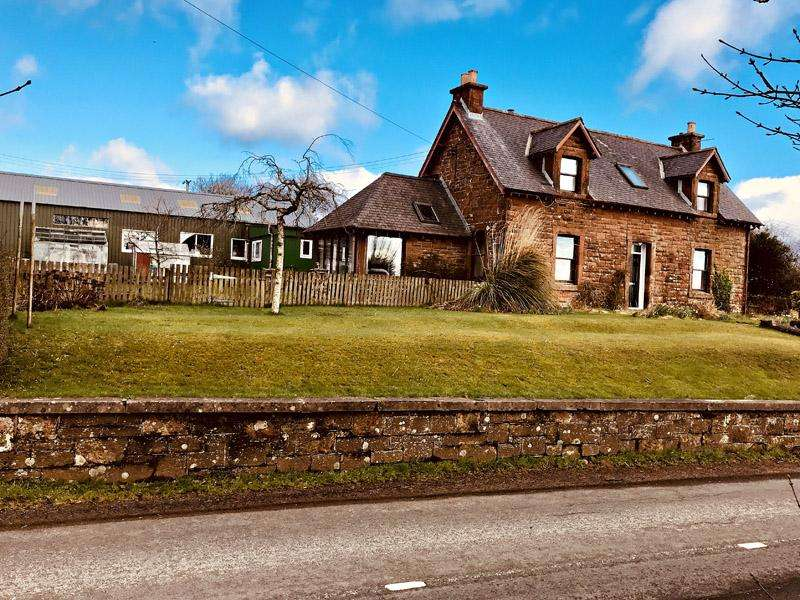 3 Bedrooms Detached House for sale in Langholm Road, Lockerbie DG11
