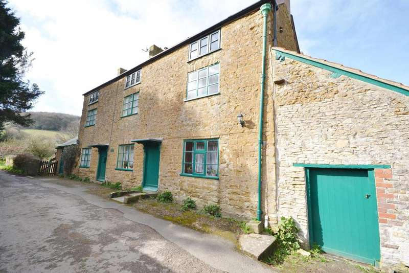 5 Bedrooms Detached House for sale in Pitt Court, North Nibley, Dursley, GL11 6EB