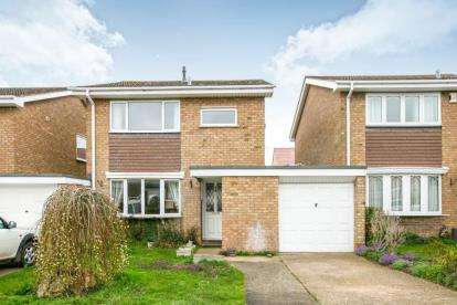 Detached House for sale in Flexmore Way, Langford, Biggleswade, Bedfordshire