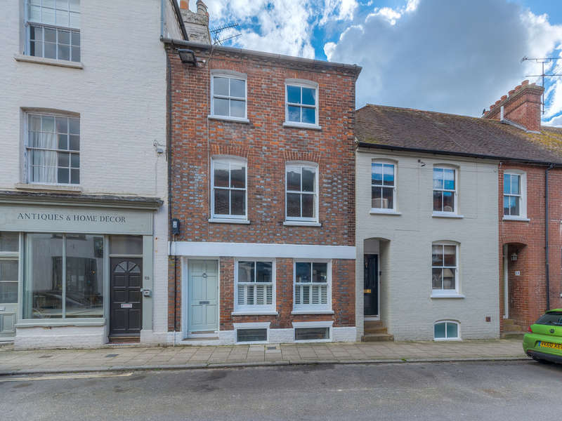 4 Bedrooms Town House for sale in Tarrant Street, Arundel