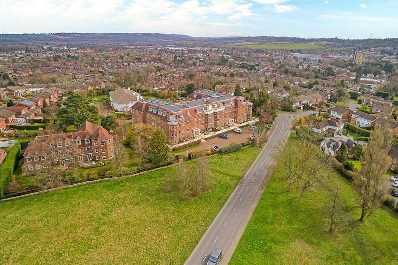 3 Bedrooms Penthouse Flat for sale in Wray Mill House, Batts Hill, Reigate, Surrey, RH2