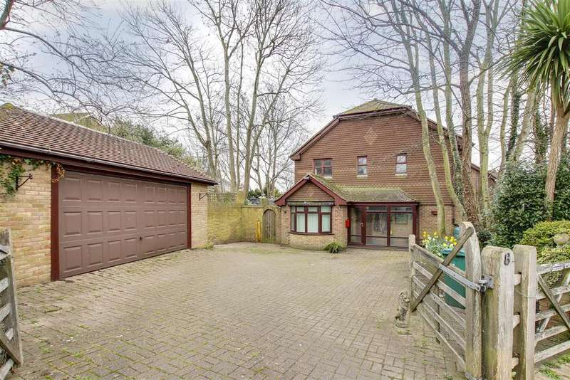 4 Bedrooms Detached House for sale in Station Road, NEWHAVEN