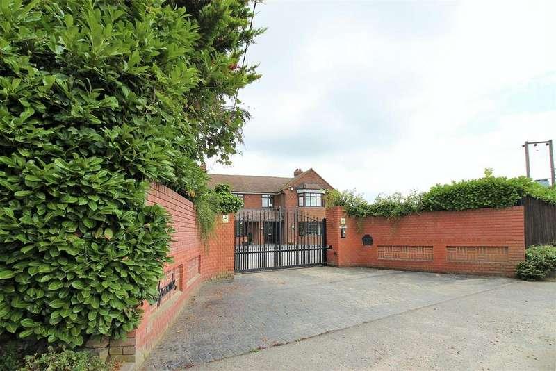 3 Bedrooms Detached House for sale in Hockenden Lane, Swanley