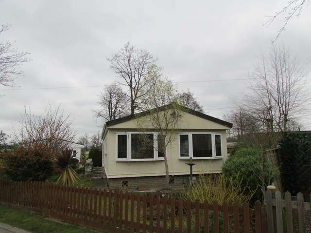 Park Home Mobile Home for sale in 7 b The Larches Warfield Park