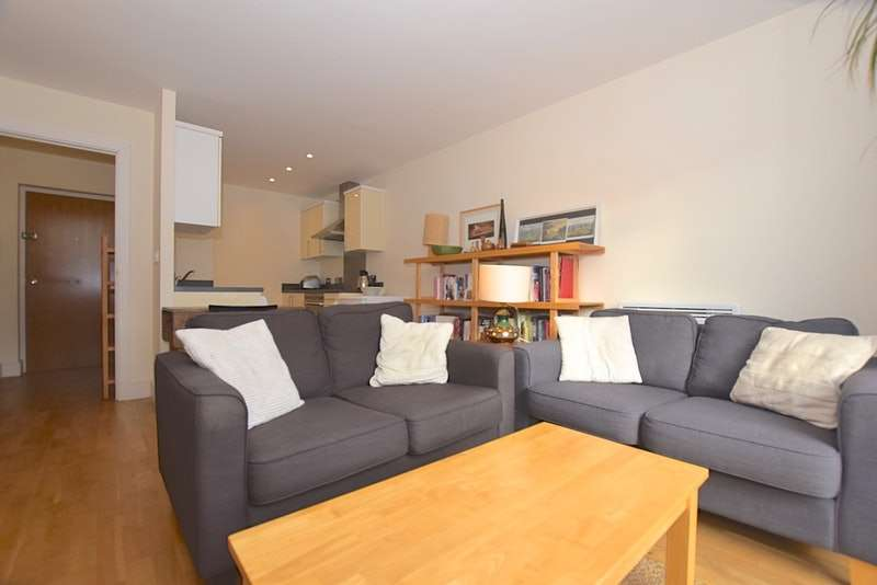 1 Bedroom Flat for sale in Blakes Road, London, London, SE15