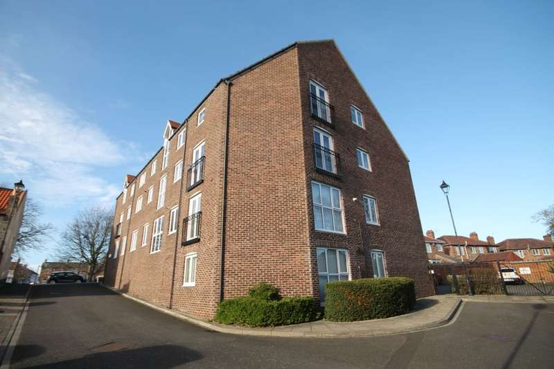 2 Bedrooms Flat for sale in Blandford Close, Stockton-On-Tees, TS20