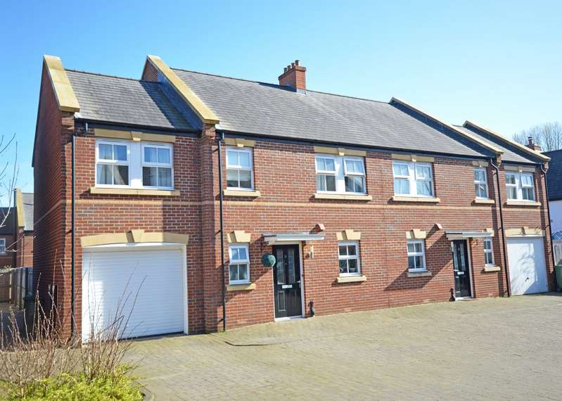 4 Bedrooms Semi Detached House for sale in City Glade, Exeter