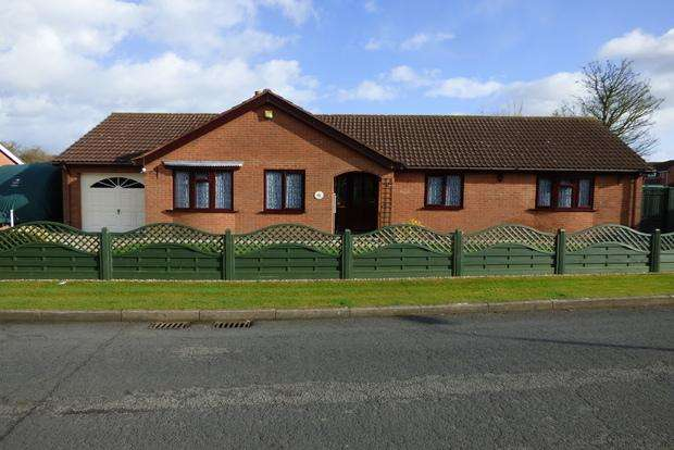 3 Bedrooms Bungalow for sale in Beck Way, Louth, LN11