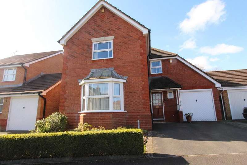 4 Bedrooms Detached House for sale in Delightful edge of Yatton village location