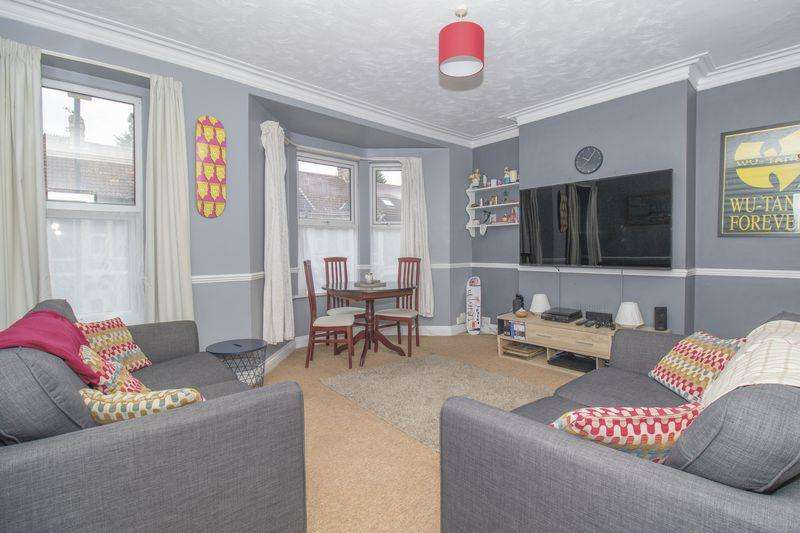 2 Bedrooms Apartment Flat for sale in Clouds Hill Road, St George