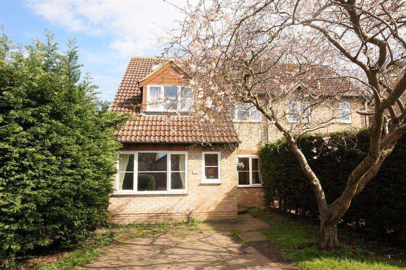 5 Bedrooms Semi Detached House for sale in Fokerham Road, Thatcham