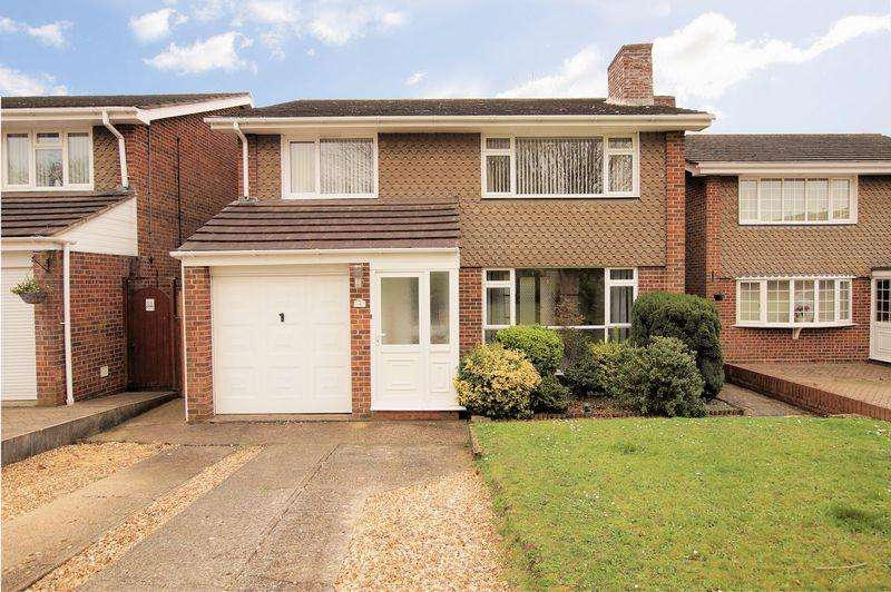 4 Bedrooms Detached House for sale in Camelot Crescent, Portchester