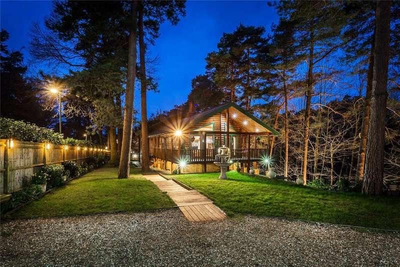 5 Bedrooms Detached House for sale in Camberley, Surrey, GU15