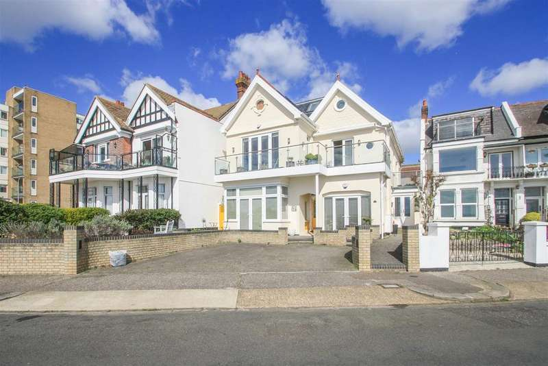 4 Bedrooms Maisonette Flat for sale in Clifton Drive, Westcliff-on-Sea