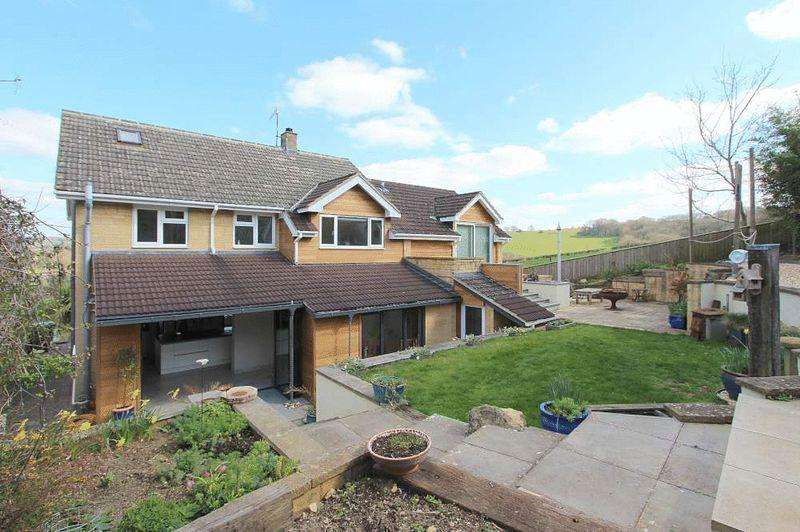 5 Bedrooms Detached House for sale in Littlemead, Corsham