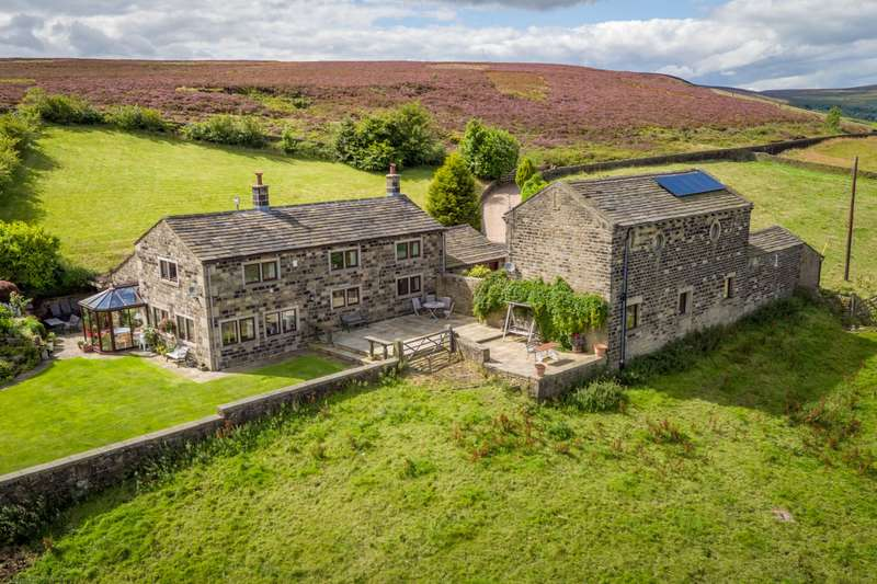 4 Bedrooms Detached House for sale in Height Farm & Barn. Thorney Lane, Midgley, Halifax