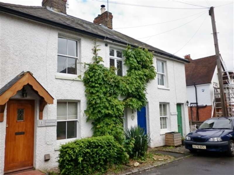 2 Bedrooms Cottage House for rent in High Road, Cookham