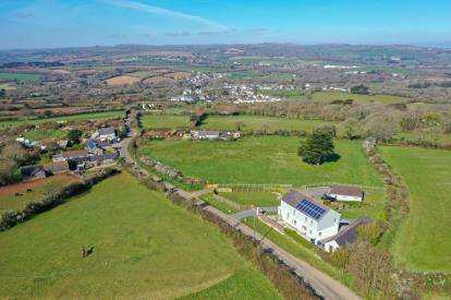 4 Bedrooms Detached House for sale in St. Erth, Hayle, Cornwall