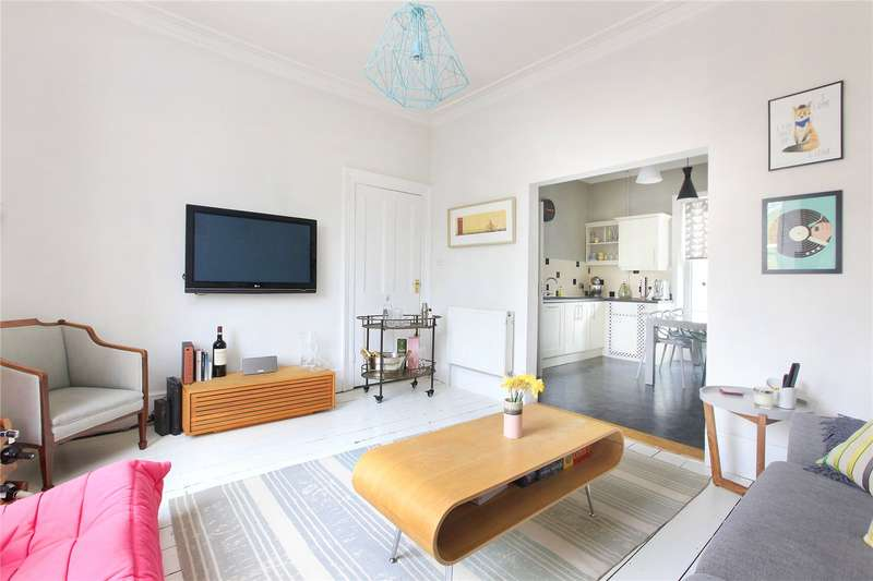 3 Bedrooms Flat for sale in Northbourne Road, Clapham, London, SW4