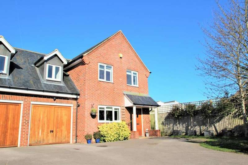 4 Bedrooms Semi Detached House for sale in West End Road, Mortimer Common, RG7
