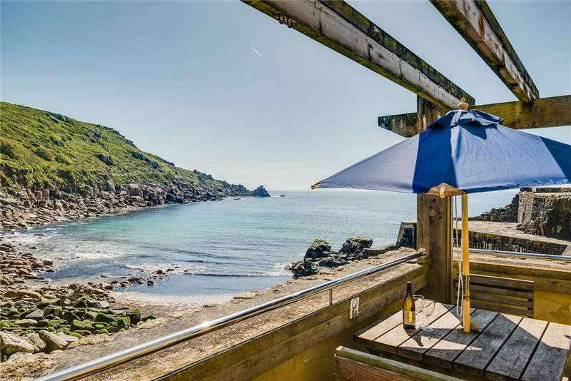 1 Bedroom Penthouse Flat for sale in Lamorna Cove, Penzance, Cornwall, TR19