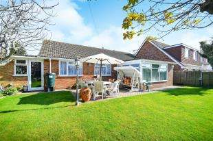 3 Bedrooms Bungalow for sale in Phyllis Avenue, Peacehaven, East Sussex, .