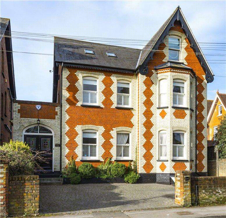 6 Bedrooms Detached House for sale in Nightingale Road, Guildford, Surrey, GU1