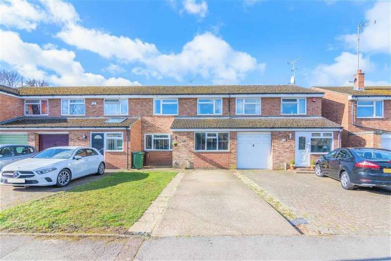 3 Bedrooms Terraced House for sale in Waveney Road, Harpenden, Hertfordshire